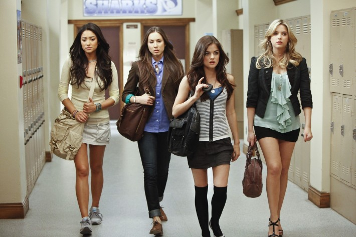 SHAY MITCHELL, TROIAN BELLISARIO, LUCY HALE, ASHLEY BENSON